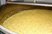 白味噌の作り方、大豆の浸漬