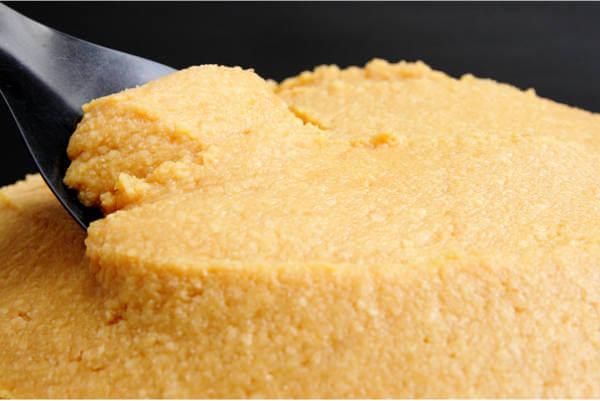 特選一年粒生味噌、2倍麹の甘口、天然醸造味噌