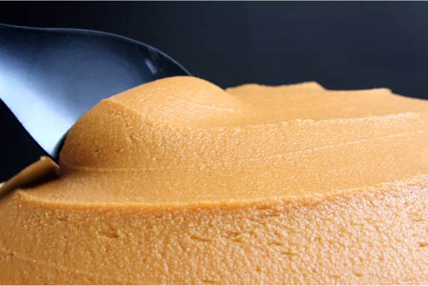 特選まろやか味噌、環境こだわり農産物認証の米・大豆を使った手作り天然醸造味噌